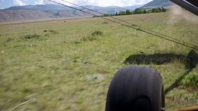 Akcyjnego materiału filmowego Alpejski Latający start od dziewiczych stepów zbiory