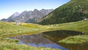 Ake sur le sommet de montagne Photographie stock libre de droits