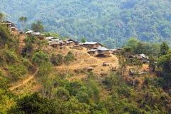 Akha部落山村, Pongsali,老挝土产部族文化  免版税库存图片