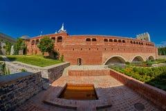 AKHALTSIKHE, GEÓRGIA - 8 DE AGOSTO DE 2017: Comp(s) famosos do castelo de Rabati Imagem de Stock Royalty Free