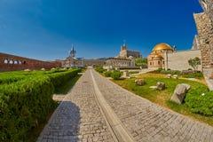 AKHALTSIKHE, LA GÉORGIE - 8 AOÛT 2017 : Élém. célèbres de château de Rabati Photos libres de droits