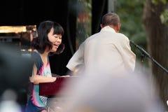 Akiko Tsuruga, jogador do órgão com Lou Donaldson em Charlie Parker Jazz Festival em Manhattan, 2017 Foto de Stock Royalty Free