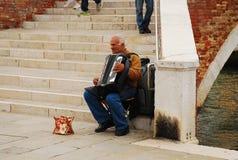 Akordeonu gracz w Murano Obraz Royalty Free