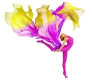 Akrobat-Tanzen mit Gewebe, flexibles Frauen-Trikotanzug-Weiß lizenzfreies stockbild
