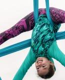 Akrobata przy super bowl wydarzeniem Zdjęcia Royalty Free