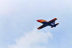 Akrobatische IAR-99 Soim Fläche an NEIGUNG 2015 Stockfotografie