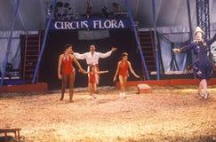 Akrobatisk familj på en Ring Circus Flora, Indiana Royaltyfri Fotografi