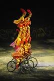 Akrobatisk show - Chaoyang teater, Peking Arkivfoto