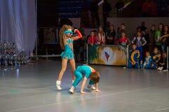 Akrobatisk Vagga-n-rulle Arkivfoto