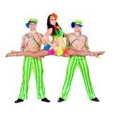Akrobatkarnevaldansare som gör splittringar Arkivbilder