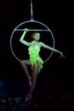 akrobatkvinna Royaltyfri Bild
