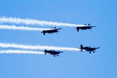akrobatyczni komarnicy formaci lustra samoloty Obrazy Stock