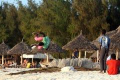 Akrobatyczny na plaży obrazy royalty free