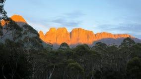 Akropol i mt geryon w kołysankowym halnym jeziora st clair parku narodowym, Tasmania obraz stock