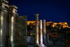 Akropol och monastiraki tillsammans royaltyfri fotografi