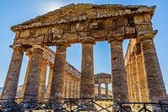 Akropolgammalgrekiska: akros 'som är högst som är översta ', och polis 'stad '- hjärtan av politiskt och socialt liv av den fornt royaltyfria foton