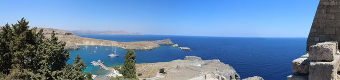 Akropolis panoramatic sikt av havet Arkivbilder