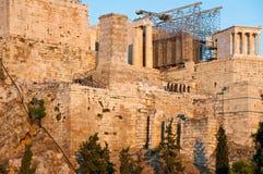 Akropolis von Athen am 1. August 2013. Ansicht von Areopagus-Hügel. lizenzfreie stockfotografie