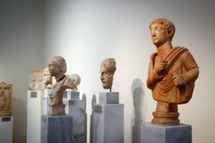 Akropolutställningar på Atenmuseet Grekland royaltyfri bild