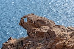 Akrotiri fyr - den Santorini Cyclades ön - Aegean hav - G arkivbild