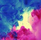 Akrylowi kolory w wodzie obraz stock