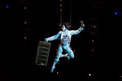 Aktöröverhopprep på den Cirque du Soleils showen 'Quidam', Arkivfoton