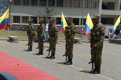 Akt hołd żołnierze spadać w konflikcie Kolumbia Obraz Stock