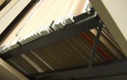Aktenschrank mit hängenden Faltblättern Lizenzfreie Stockfotografie