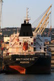 Akter av det liberianska lastfartyget Miltiades II på porten av Rijeka Royaltyfri Foto