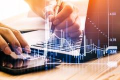 Aktiemarknadindikator och sikt för finansiella data från LETT double fotografering för bildbyråer