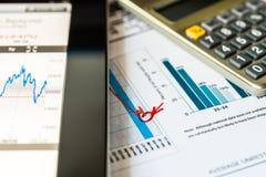 Aktiemarknadnedgång, analys av marknadsdatan fotografering för bildbyråer