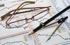 Aktienkurve lizenzfreie stockfotografie