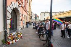 Aktion nahe amerikanischem Konsulat zum Gedenken an Opfer des Massakers in populärem homosexuellem Verein Impuls in Orlando Lizenzfreie Stockfotografie