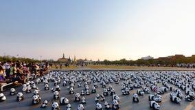 Aktionen för 1600 pappersMache pandor ställer ut på Bangkok Arkivfoton