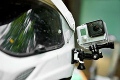 Aktionskamera auf Motorradsturzhelm Stockbild