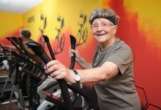 Aktiv pensionär Arkivbild