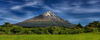 Aktiva Volcano Taranaki, Nya Zeeland Arkivbilder
