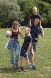 Aktive Familie Lizenzfreie Stockbilder