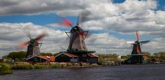 Aktive Windmühlen Stockbild