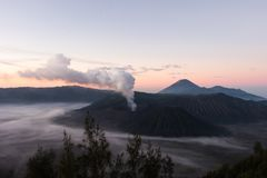 Aktiver Berg Bromo - Java, Indonesien stockfotografie