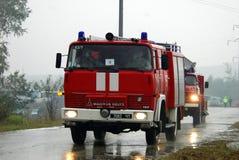 aktivera den röda lastbilen Arkivbilder