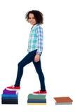 Aktives Kinderkletternde Notizbuchleiter Stockbilder