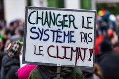 Aktivister som marscherar för miljön fotografering för bildbyråer