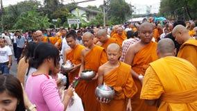 Aktiviteter av buddhism Arkivbild