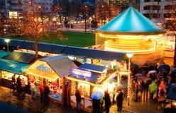 Aktiviteter på julmarknaden arkivbild