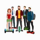 Aktivt folk som är roligt med den elektriska sparkcykeln, familjen på segway ny modern teknologihoverboard, mankvinnan och barnsj Royaltyfri Bild