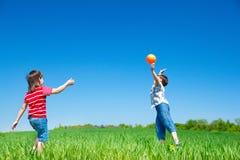 aktivt leka för pojkar Arkivfoton