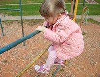 Aktivt litet barn royaltyfri bild