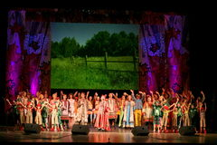 Aktorzy teatr narodowy Rosyjska piosenka, ludowy rosyjski pieśniowy krajowy piosenkarza nadezhda babkina s i delegat, nesterova Fotografia Royalty Free
