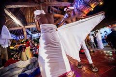 Aktorzy ubierają up dla Kandy Esala Perahera zdjęcia stock